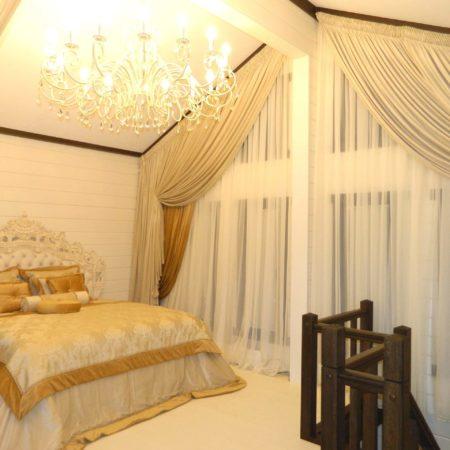 готовые шторы для спальни со скосом