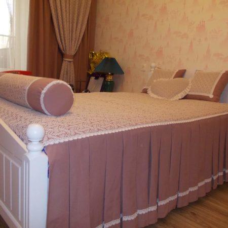 готовые шторы для спальни покрывало подушки
