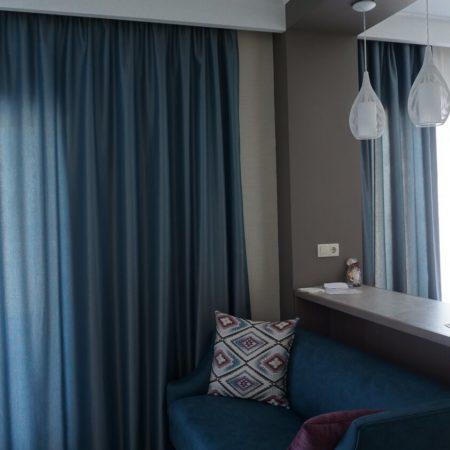 готовые шторы для гостиной бирюза