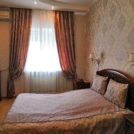 готовые шторы для спальни комплект классика