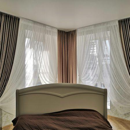 готовые шторы для спальни угловой
