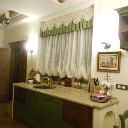 готовые шторы для кухни с ламбрекеном