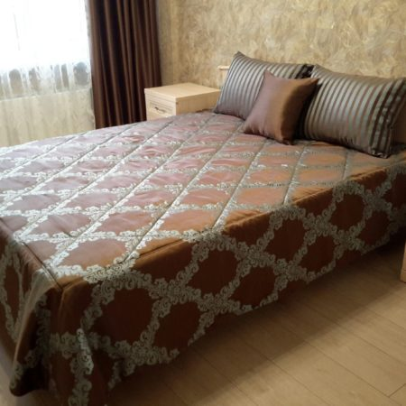 готовые шторы для спальни покрывало на кровать