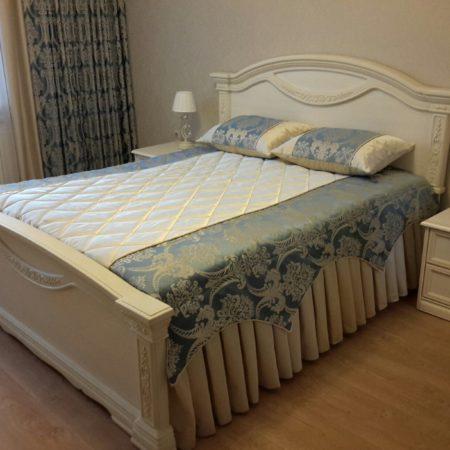 готовые шторы для белой спальни