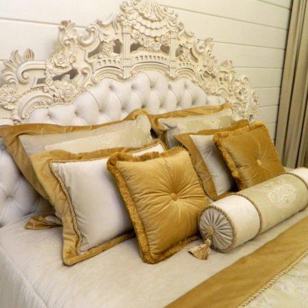 готовые подушки под шторы для спальни