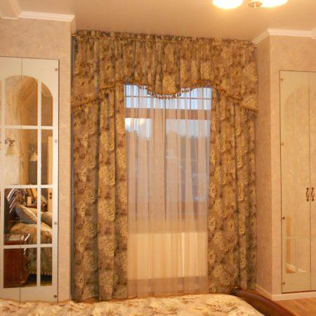 готовые шторы для спальни ламбрекен