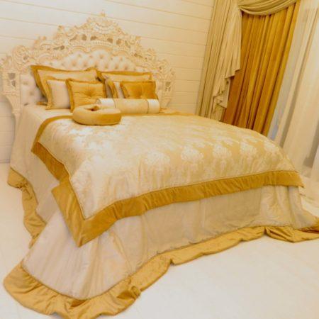 готовые шторы для спальни золото