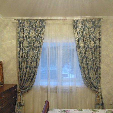 готовые шторы для спальни с подхватами