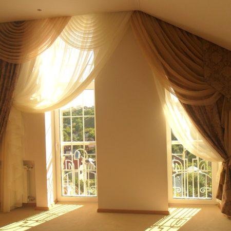 готовые шторы в спальню ламбрекен подхваты