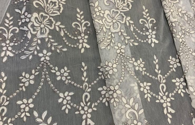 тюль с вышивкой на батисте